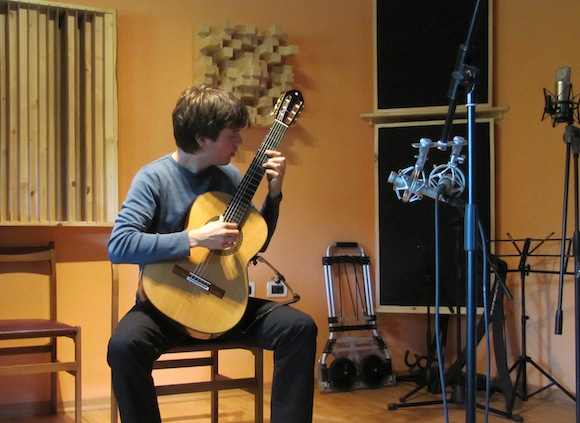 How To Record Classical Guitar Stereo Techniques Explained
